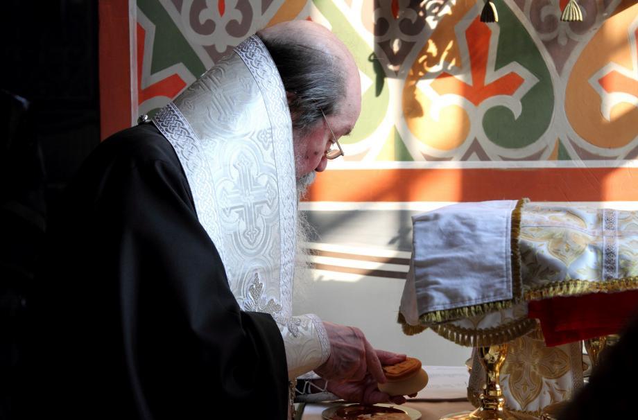 почетный настоятель Никольского собора преосвященнейший епископ Илиан
