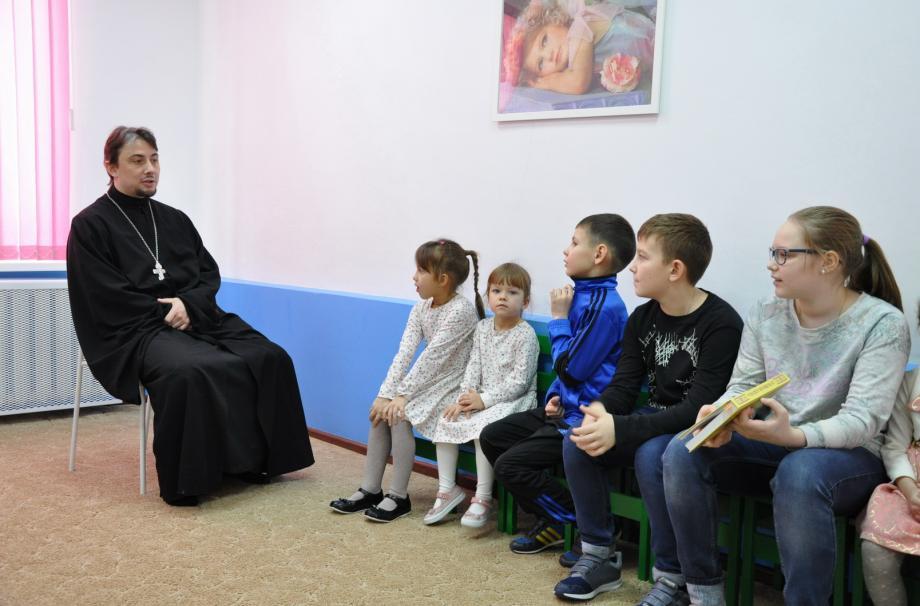 Священник Иоанн в Детской студии