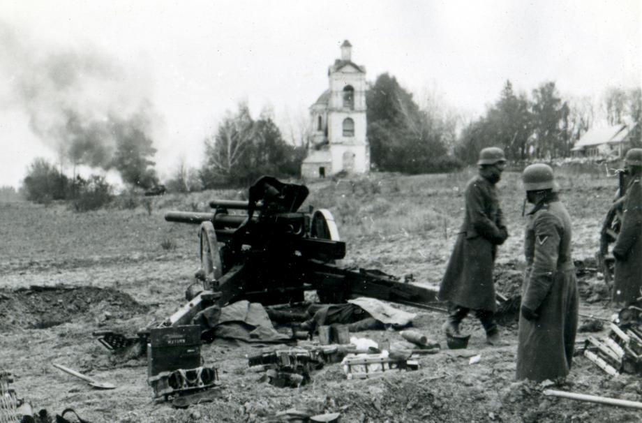 Бой у Никольского храма 15 октября 1941г. Фото из собрания А. Дадонова и А. Карпова