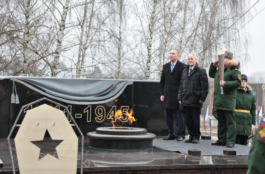 часовня «Неугасимая лампада» на памятнике «Могила неизвестного солдата. Вечный огонь» рядом с Никольским собором.