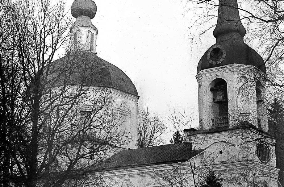 Храм Успения Пресвятой Богородицы в Литвинове. 1710-1712. Начало 1900-х гг. МУАР