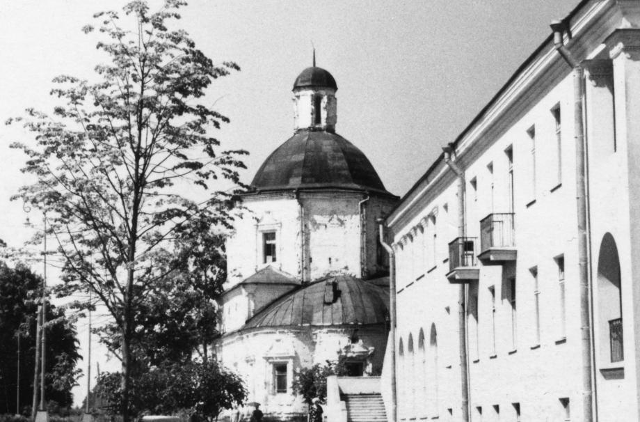 Успенский храм и санаторий «Литвиново». 1961. Фотограф А.П. Гришин