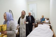 Поздравление с Рождеством больных в Апрелевской районной больнице